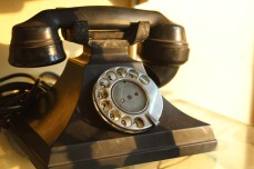 rotary_telephone