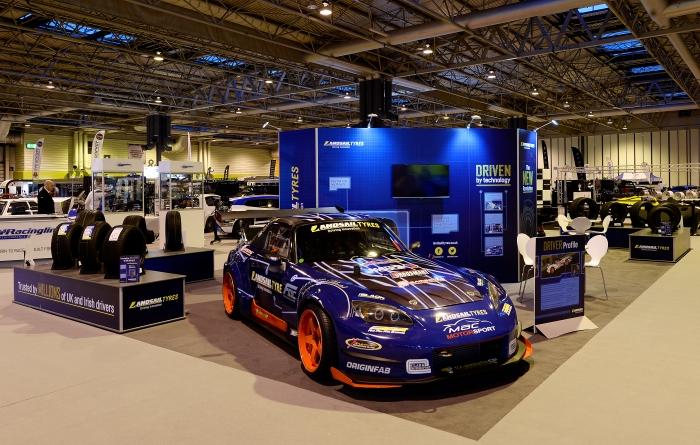 CUSTOM_ISOFRAME_DM_UK_Landsail 1- Autosport 6